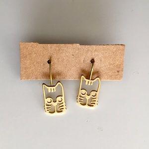 Jewelry - NWOT Cat earrings 🐱